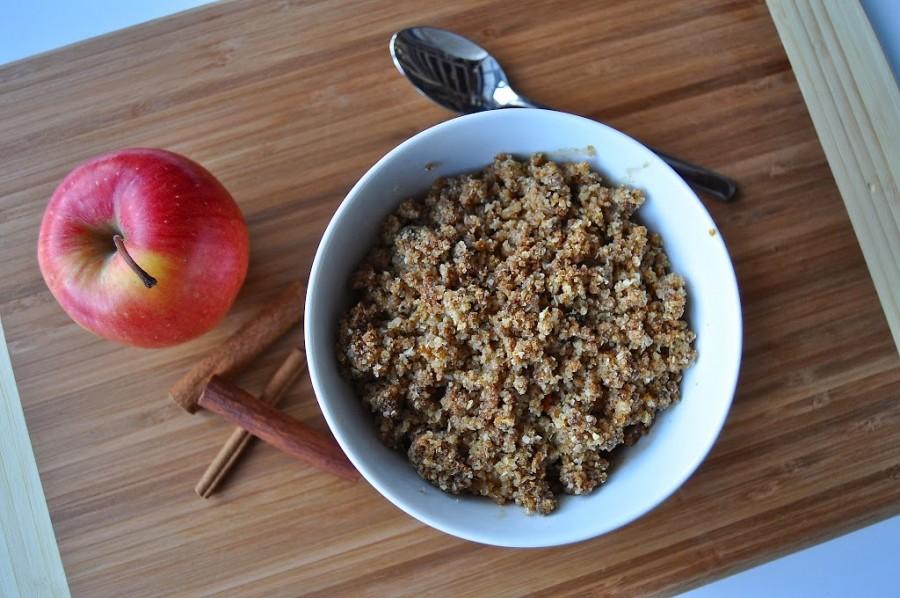 Cinnamon Roll Apple Crisp